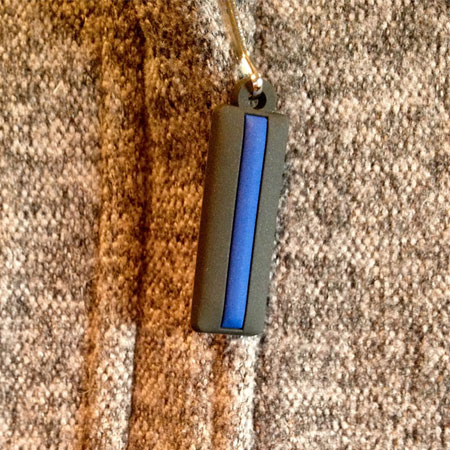 thin blue line zipper pull